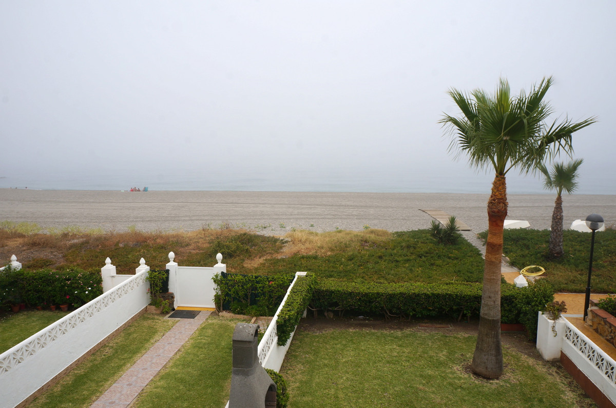 Beach Front Town House over three levels. Very Desirable Location in Playa Paraiso. Garden at the fr, Spain