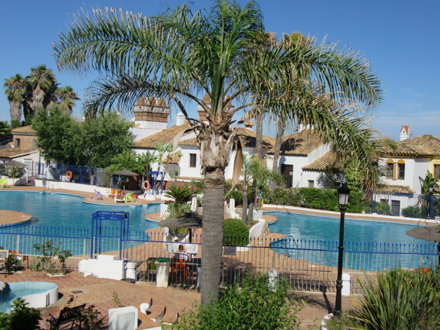 Beautiful townhouse in a perfect location in Costa del Sol This beautiful property in development Lo,Spain