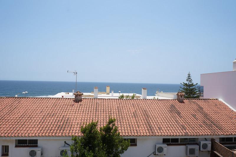 Villa – Chalet en venta, Torreguadiaro – R3446521