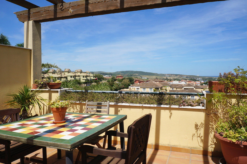 This is a very well proportioned penthouse over two levels. Very well located for all amenities with,Spain