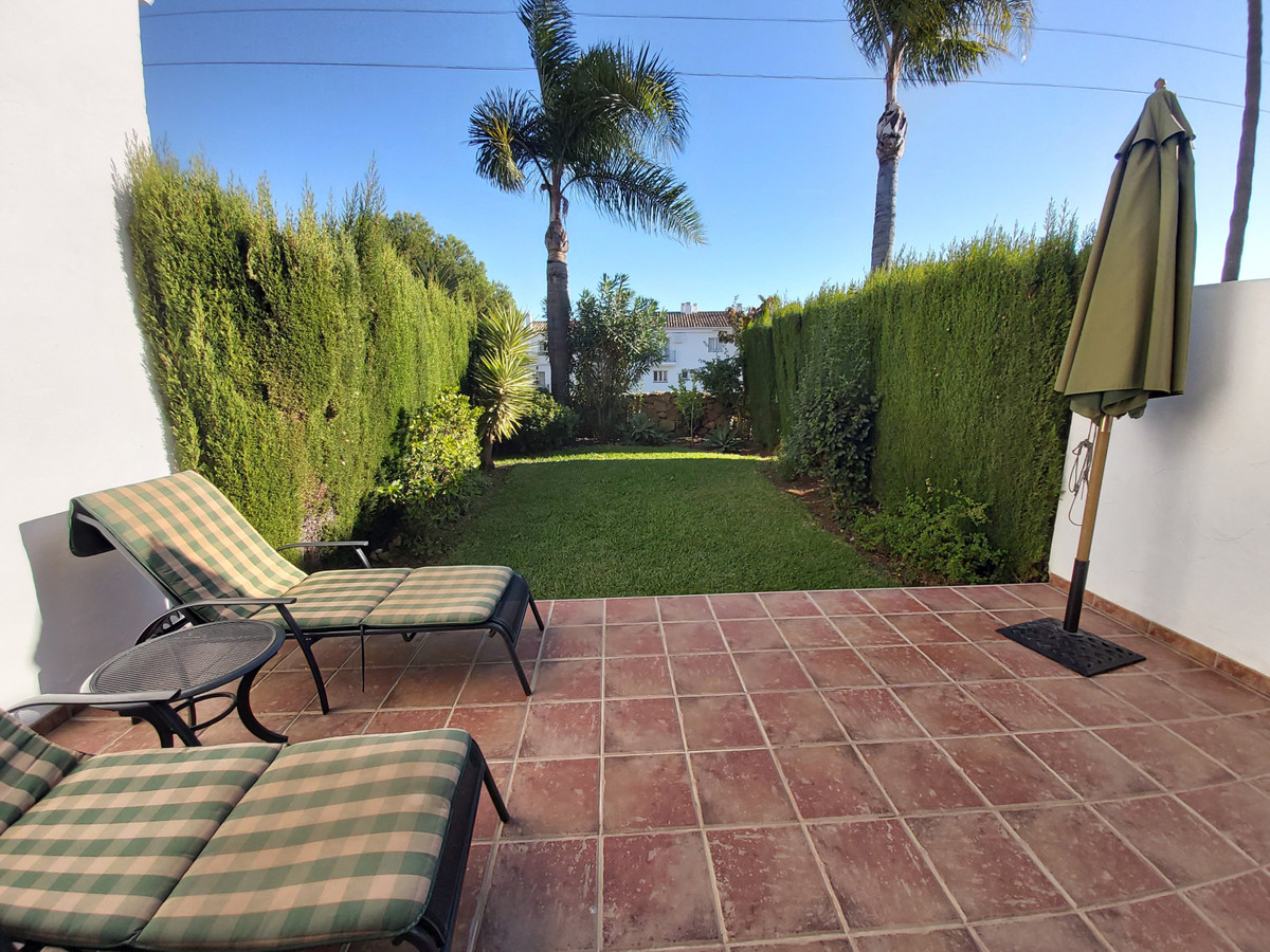 Townhouse, Terraced  for sale    in El Paraiso