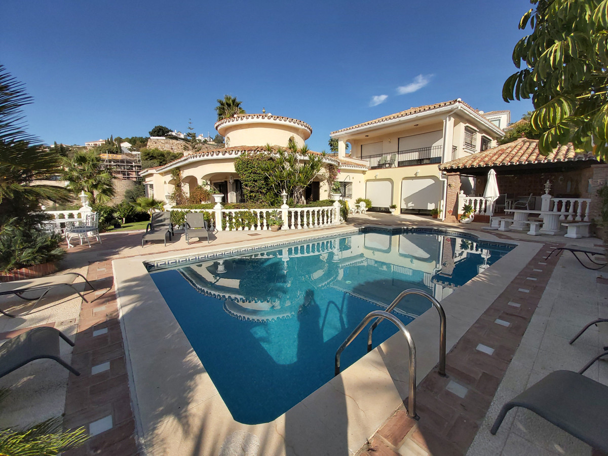 Five bedroom detached villa with incredible sea views.   This family home is located in the prestigi, Spain
