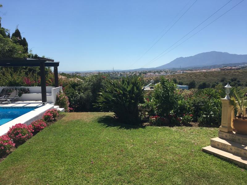 Villa – Chalet en venta, El Paraiso – R2891849