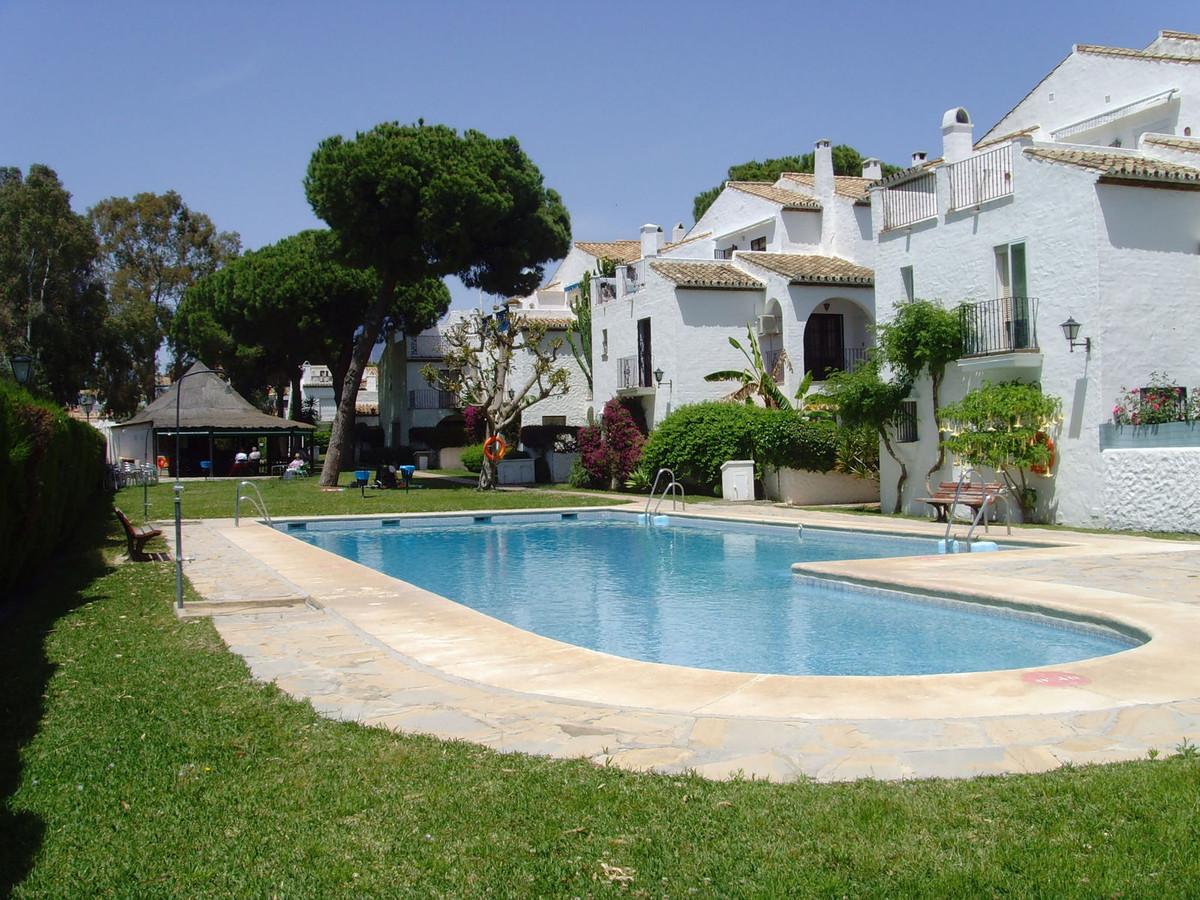 Marbella Banus Apartamento en Venta en Benamara – R3249610