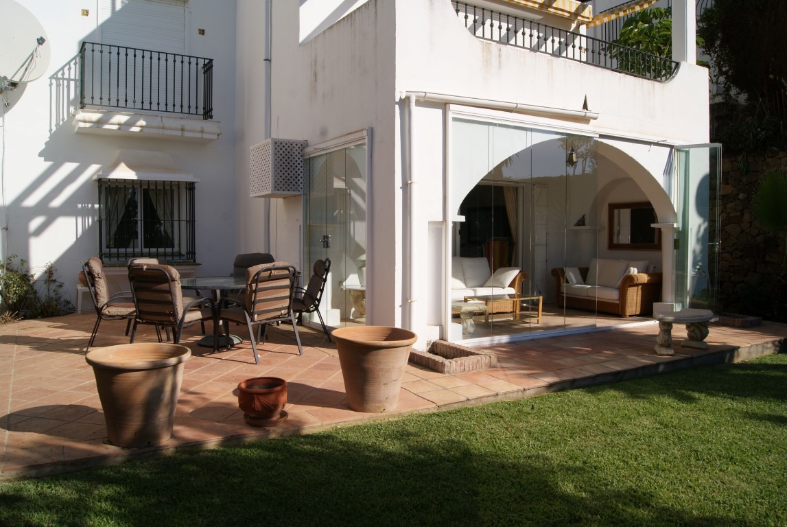 Bright and sunny garden apartment in popular residential location  This well presented two bedroom, ,Spain