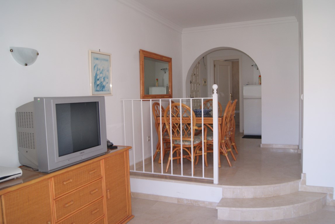 Middle Floor Apartment in Benavista