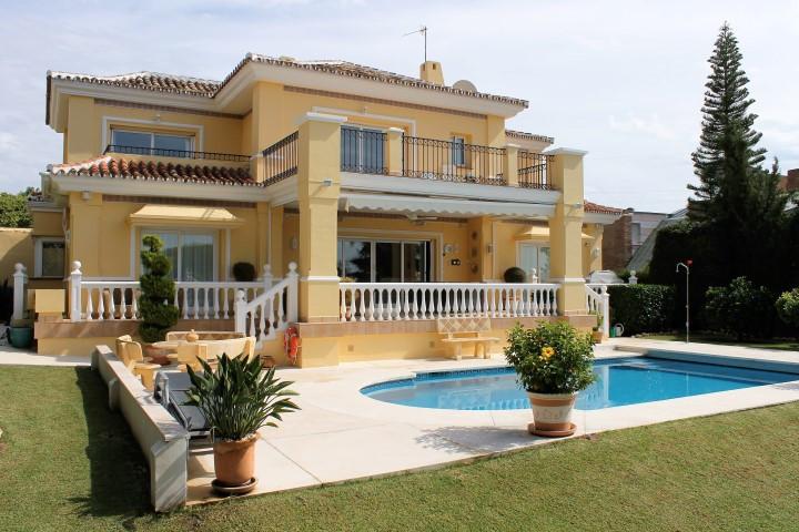 Villa – Chalet en venta, El Paraiso – R2772746
