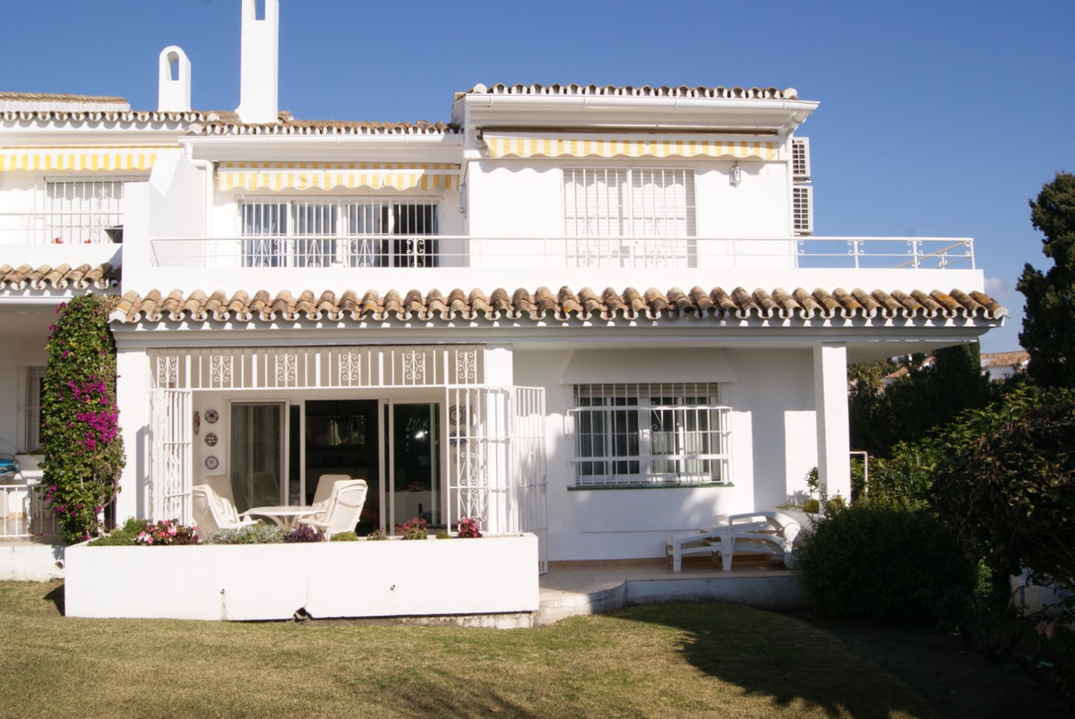 SALE AGREED  //   SALE AGREED  //  SALE AGREED    Beautifully maintained and updated three bedroom g,Spain