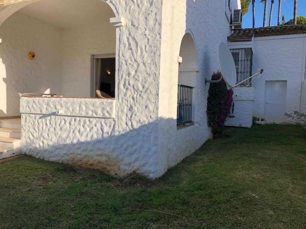 2 Bedroom Terraced Townhouse For Sale El Paraiso