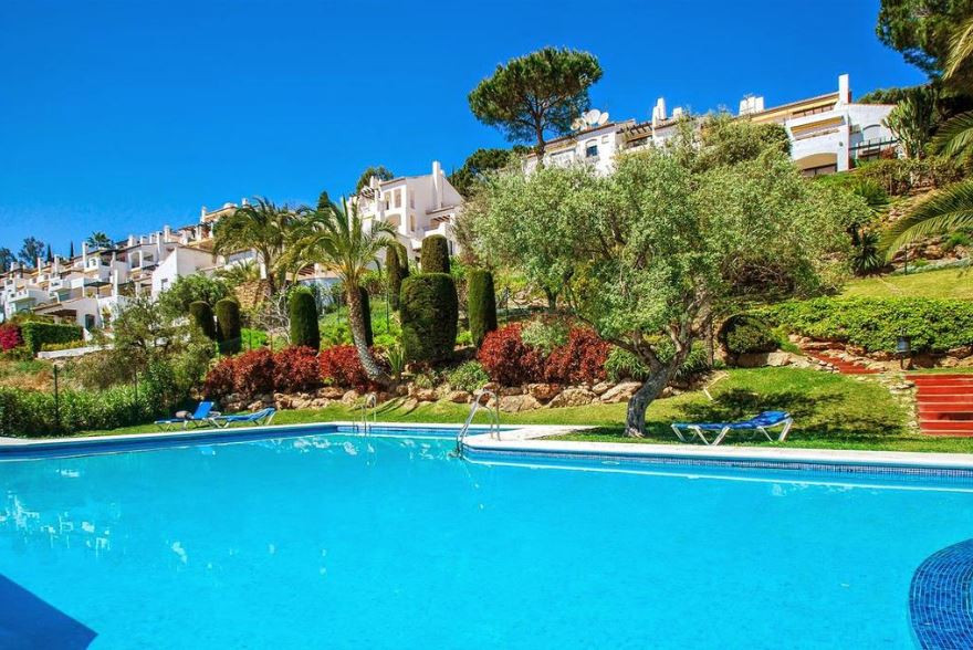 Apartment with South orientation and magnificent views to the coast, located in Las Terrazas,  a com,Spain