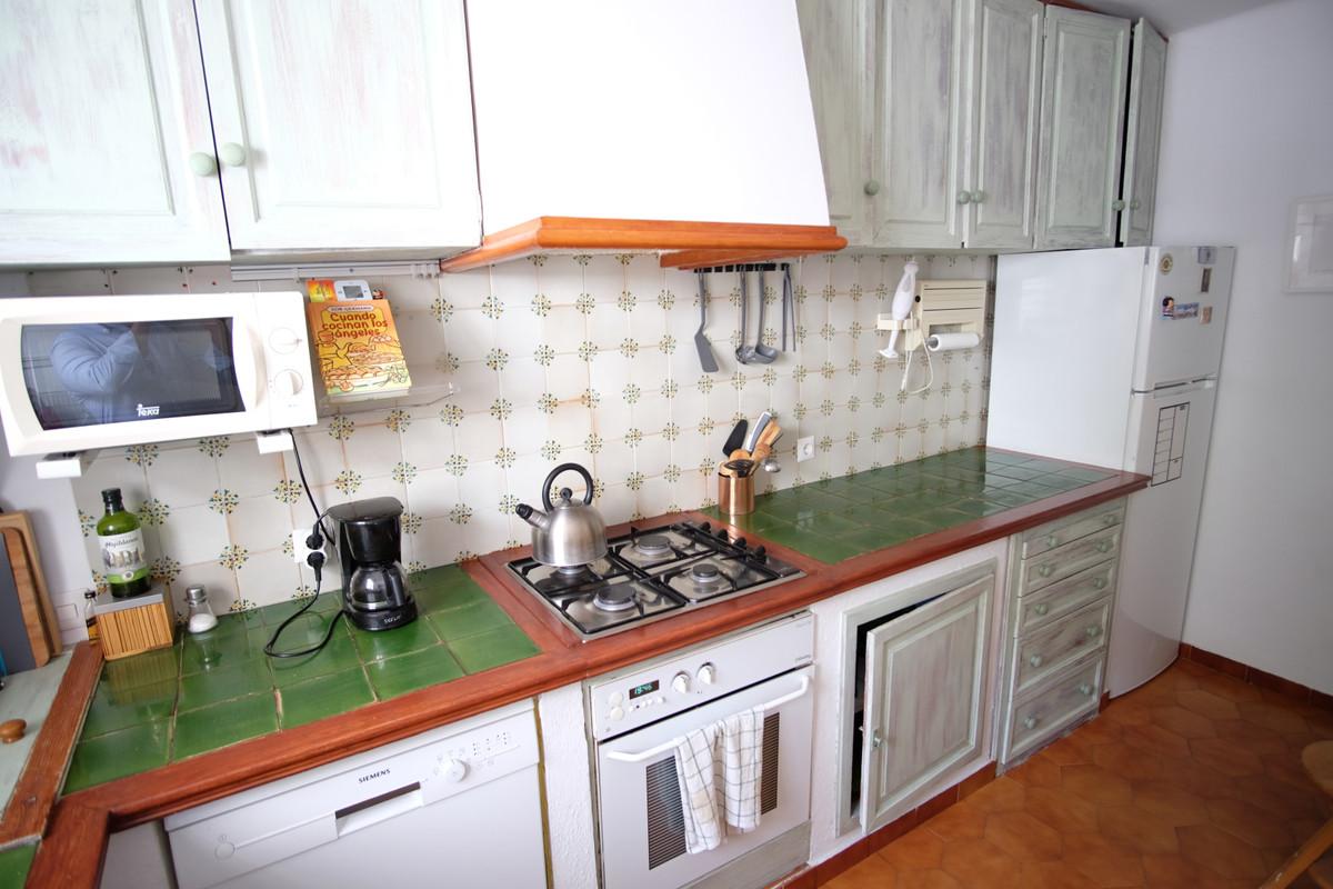 Adosada en Venta en Marbella – R3719132