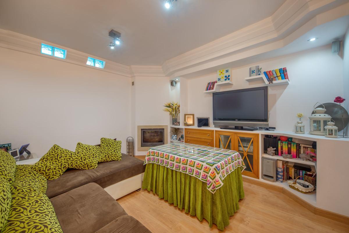 Villa con 7 Dormitorios en Venta Benalmadena