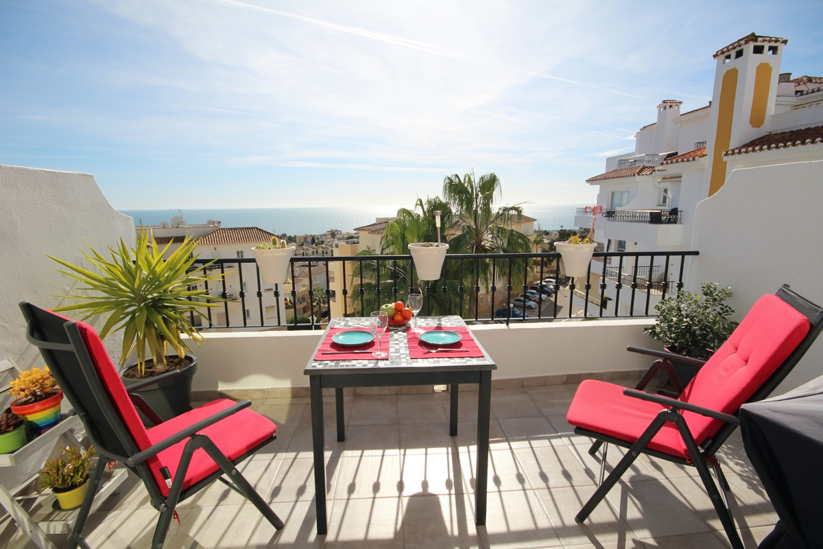 Sea view penthouse. This Bright 3 bed 3 bath Duplex Penthouse with Panoramic sea views from the livi,Spain