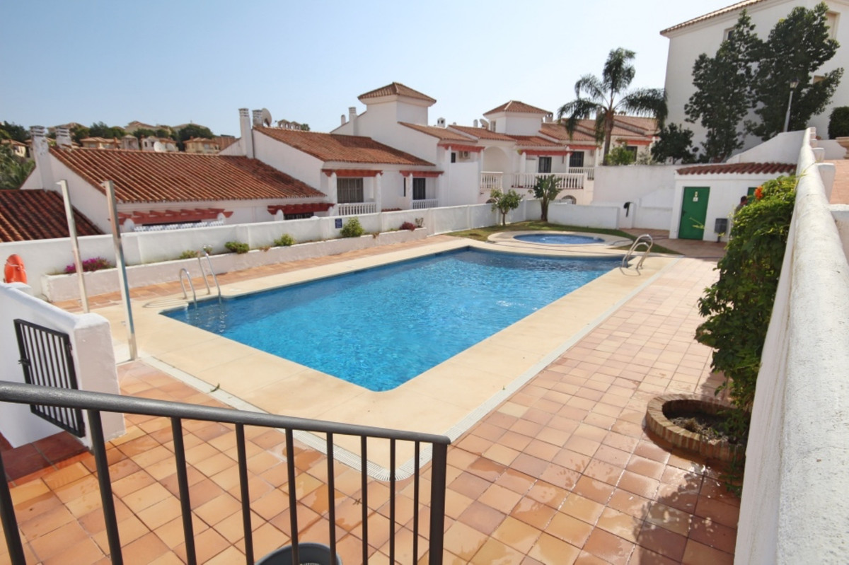 This ground floor property consists of a large lounge/diner, a fully fitted kitchen, 2 double bedroo, Spain