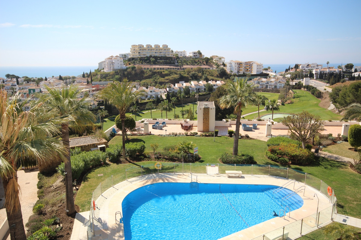 This Truly Amazing, huge, bright, south facing 4 bedroom 3.5 Bathroom duplex penthouse apartment has,Spain