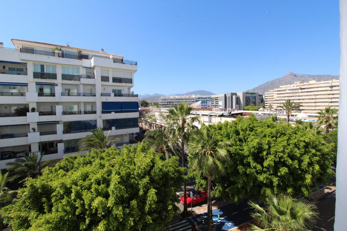 Marbella Banus Apartamento en Planta Última en Venta en Puerto Banús – R3573781