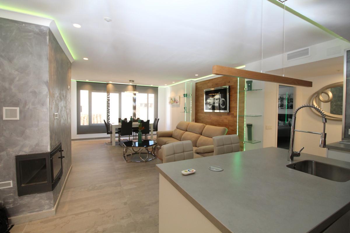Apartamento en Planta Última en Venta en Puerto Banús – R3573781