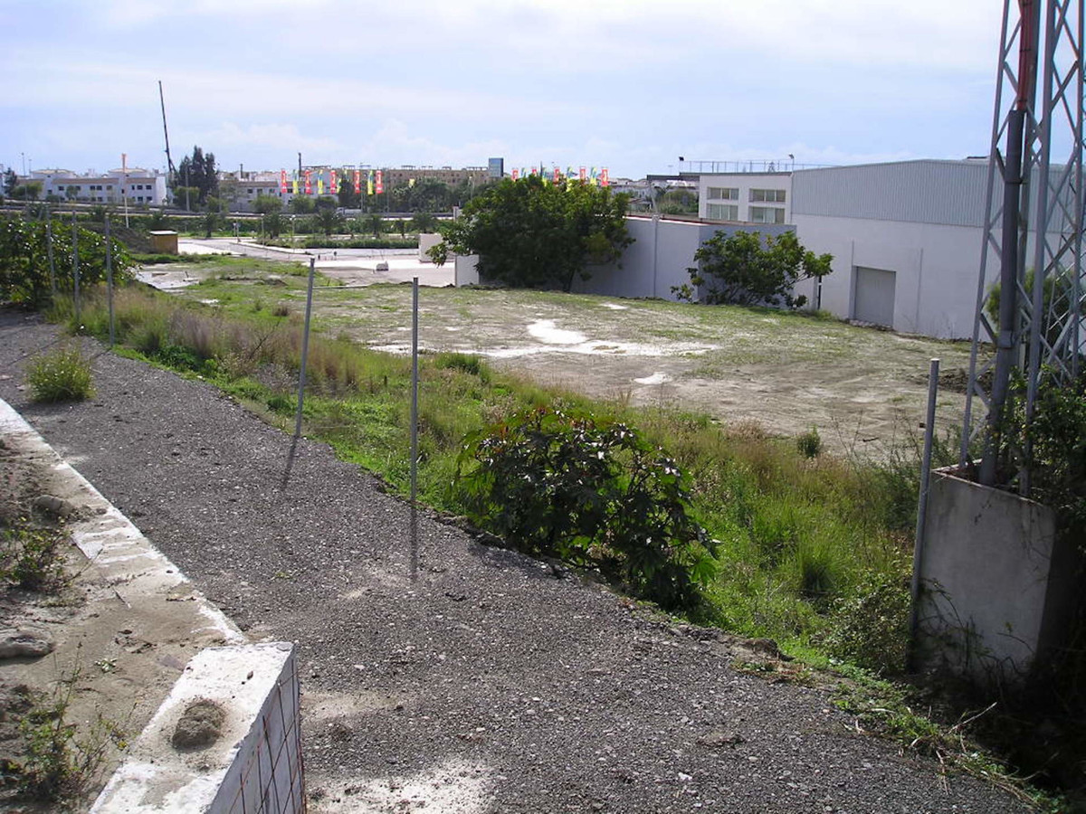 R3600986 | Commercial Plot in Cancelada – € 12,000,000 – 0 beds, 0 baths