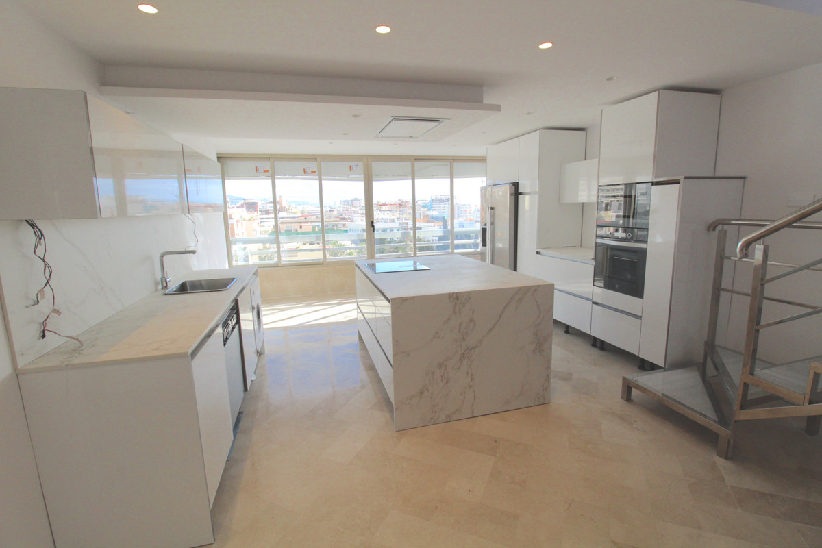Apartment  Penthouse for rent  in Marbella