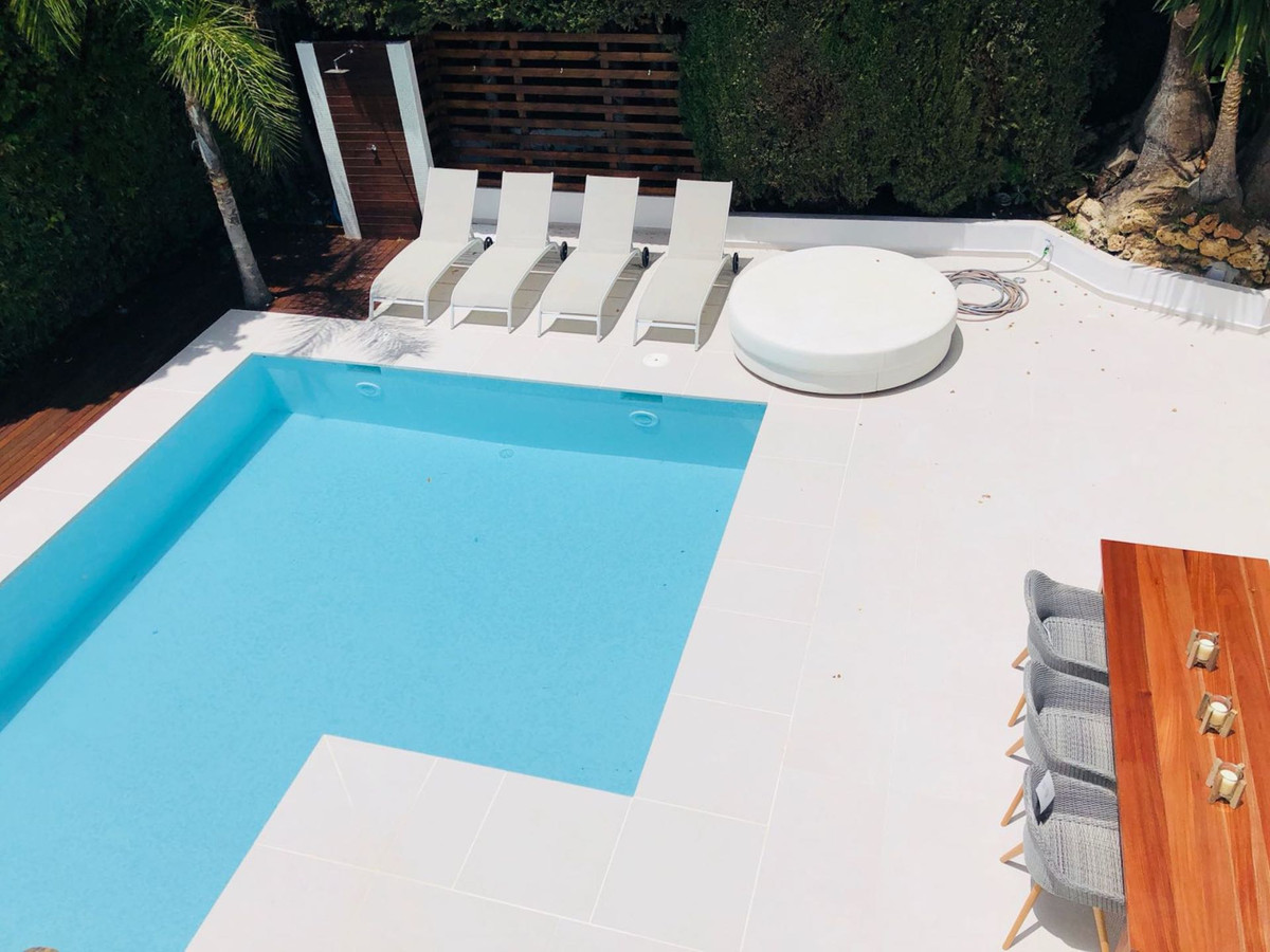 Fully renovated villa at 5 minutes walking distance of Puerto Banus, the property fully renovated in, Spain