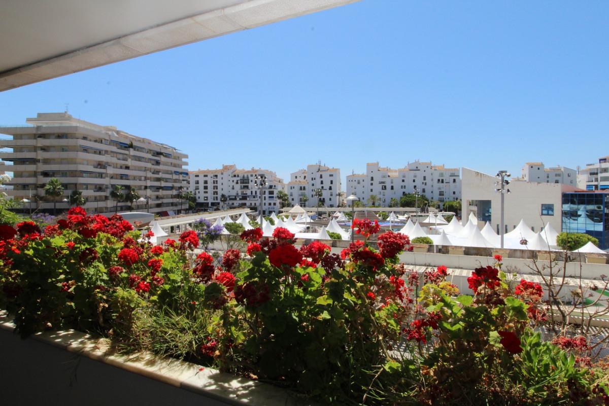Marbella Banus Apartamento en Venta en Puerto Banús – R3443041