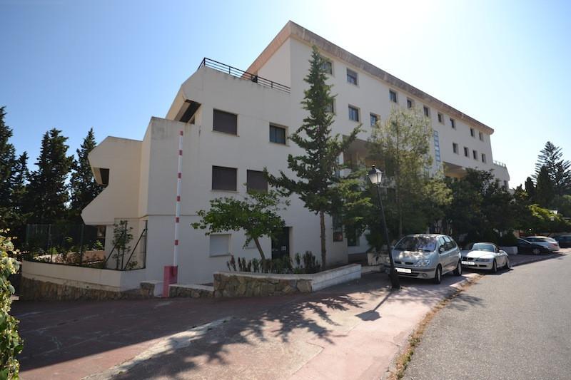 Edificio en venta, Puerto Banús – R2452754