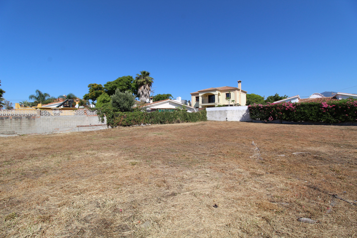 Plot for sale in San Pedro beachside a short walk to the paseo and restaurants. Build percentage is , Spain