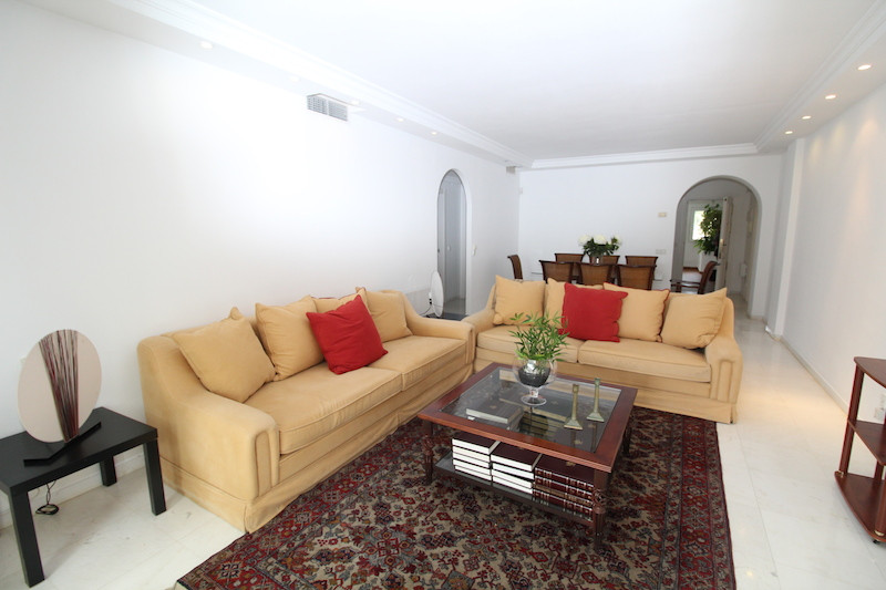 Middle Floor Apartment, Puerto Banus, Costa del Sol. 2 Bedrooms, 2 Bathrooms, Built 120 m², Terrace , Spain