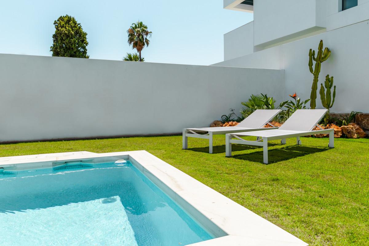 Villa – Chalet en Venta en San Pedro de Alcántara – R3470488