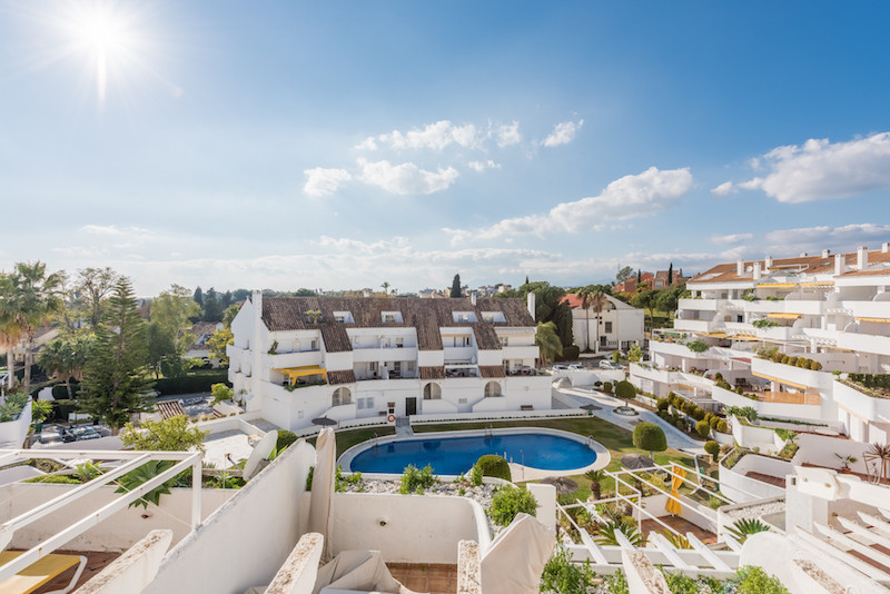 Wonderfully presented 3 bedroom apartment in Nueva Andalucia walking distance to Centro Plaza and Pu,Spain