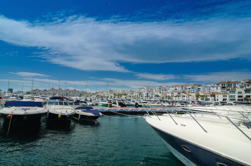 Shop for sale  in Puerto Banús, Costa del Sol