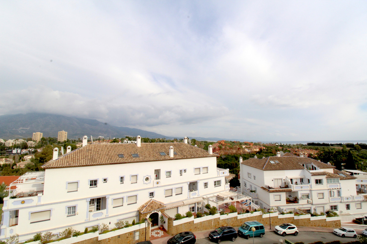 Apartment  Penthouse for sale  and for rent  in Nueva Andalucía