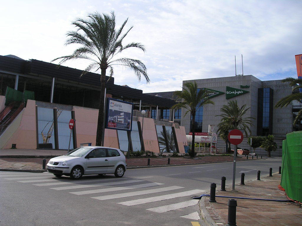 Kiosk  for sale in  Puerto Banús, Costa del Sol