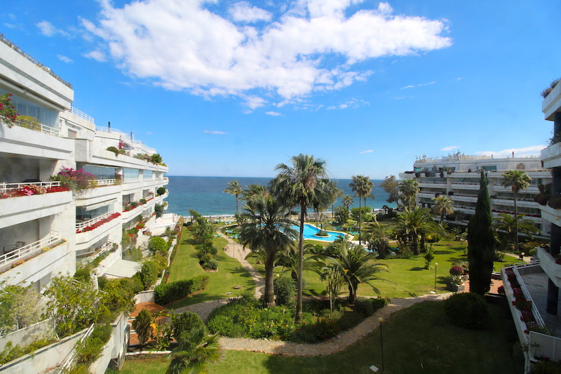 Great opportunity to own a front line apartment on the Golden Mile with south facing views over sea.,Spain
