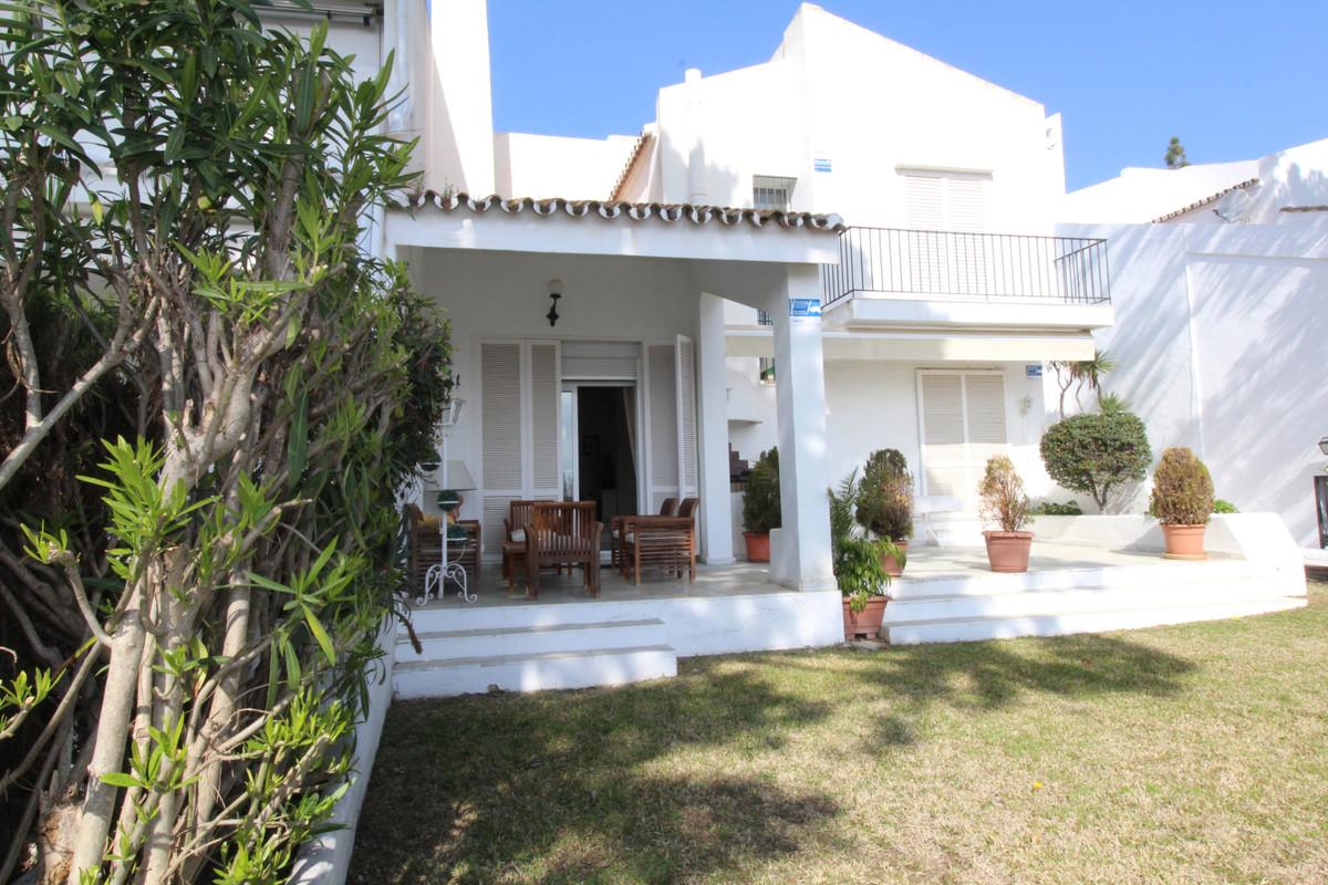 Marbella Banus Villa – Chalet en venta en Nueva Andalucía – R3380959