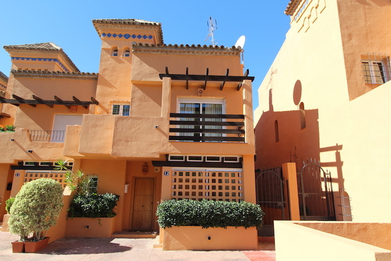 Semidetached with Private Pool, at just steps of Hotel Puente Romano, in the Heart of Golden Mile Th, Spain