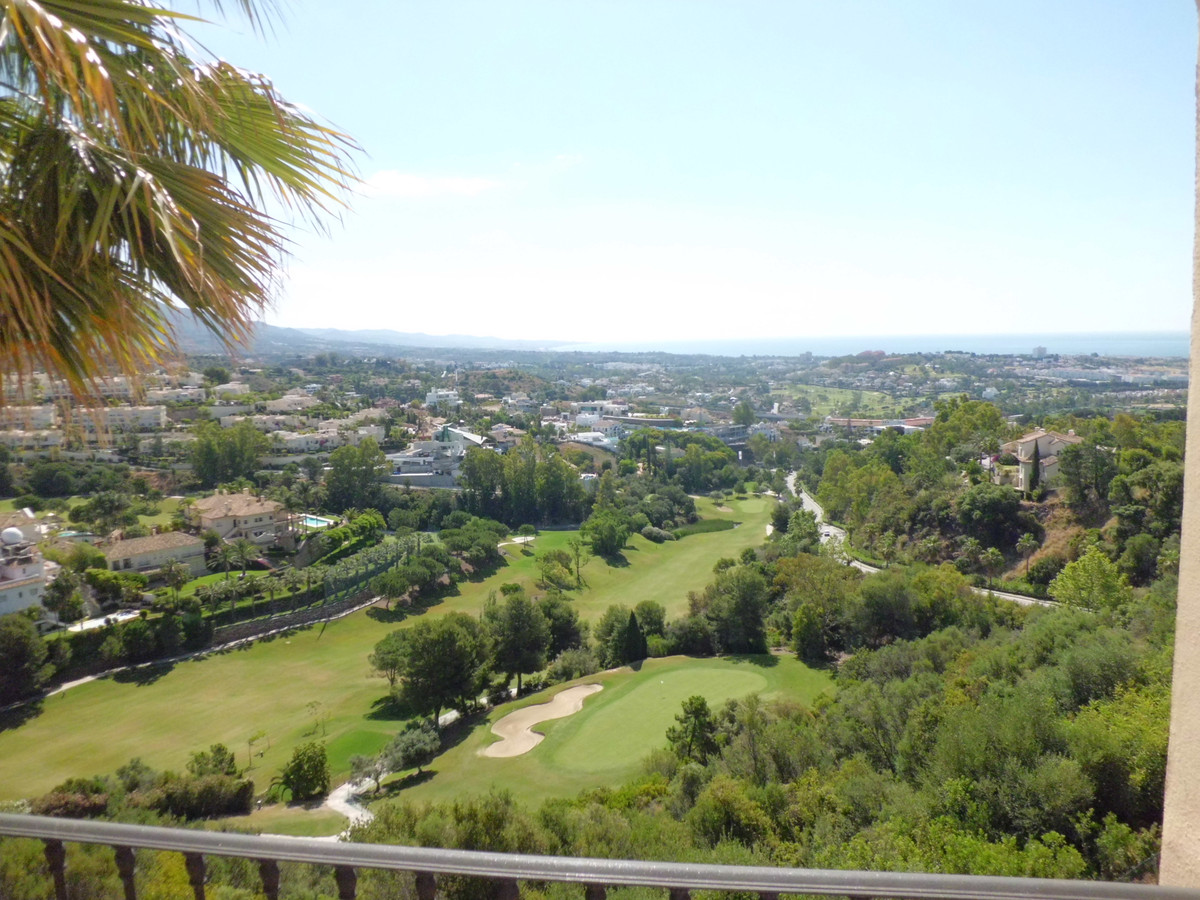 A superb luxury penthouse offering the most spectacular views over the golf and down to the sea, enc,Spain