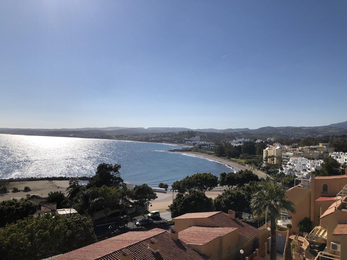 Middle Floor Apartment, Estepona, Costa del Sol. 2 Bedrooms, 2 Bathrooms, Built 90 m², Terrace 30 m²,Spain