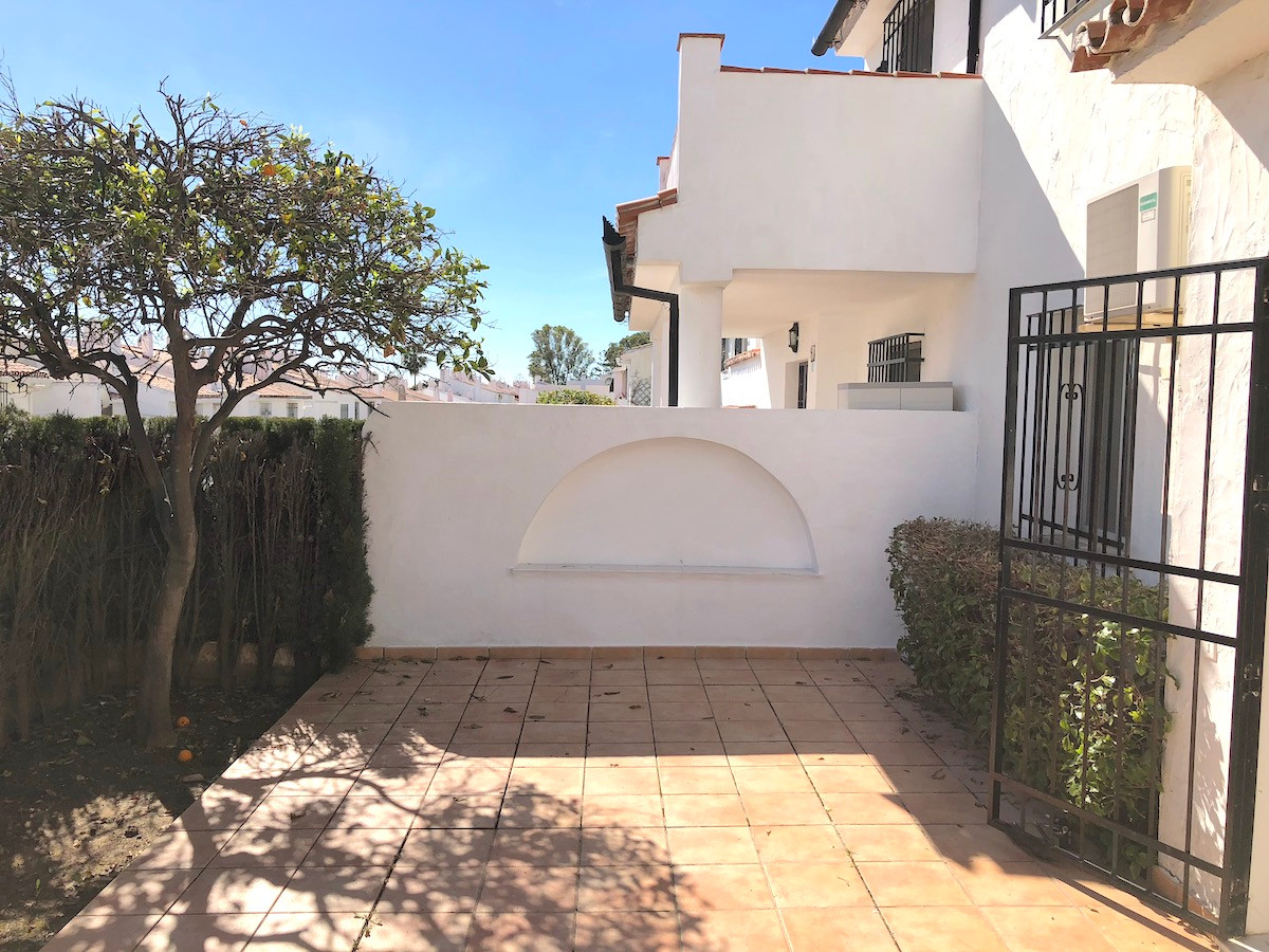 6 Bedroom Townhouse for sale Estepona