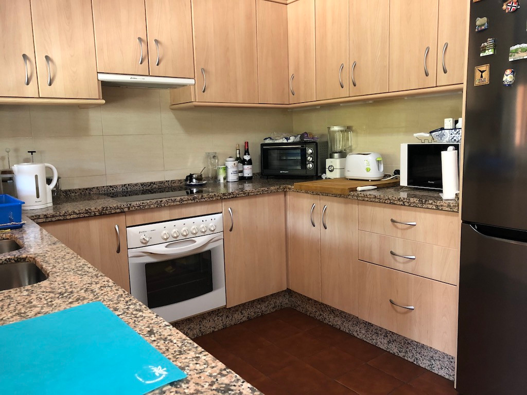 R3206770 | Semi-Detached House in Estepona – € 245,000 – 3 beds, 3 baths