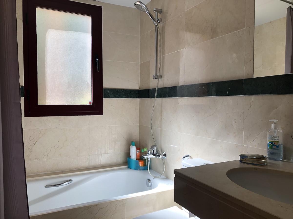 Apartamento Planta Baja en Venta en Benahavís – R3518593
