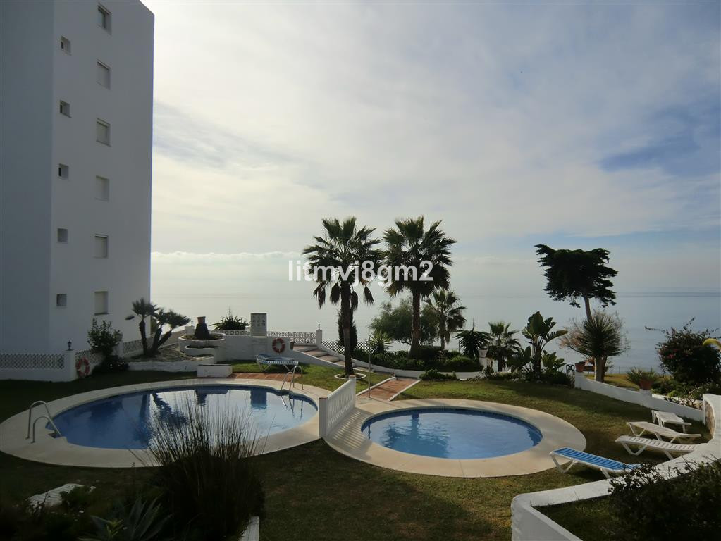 LOCATION, LOCATION, LOCATION CALAHONDA, BEACH FRONT, IN URB, ALGAIDA.  Apartment situated just a few, Spain
