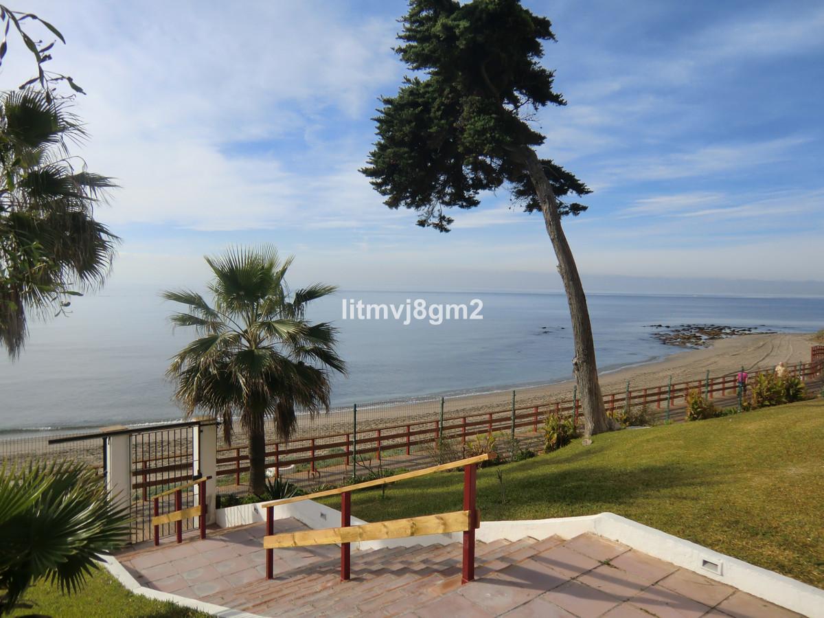 Marbella Banus Apartamento en Venta en Calahonda – R3852550