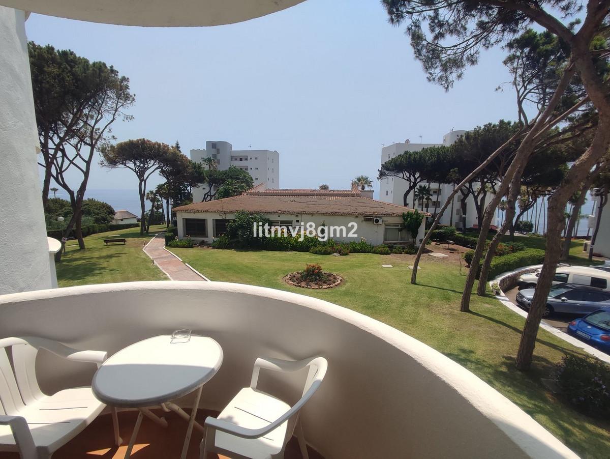 Marbella Banus Apartamento en Venta en Calahonda – R3265408