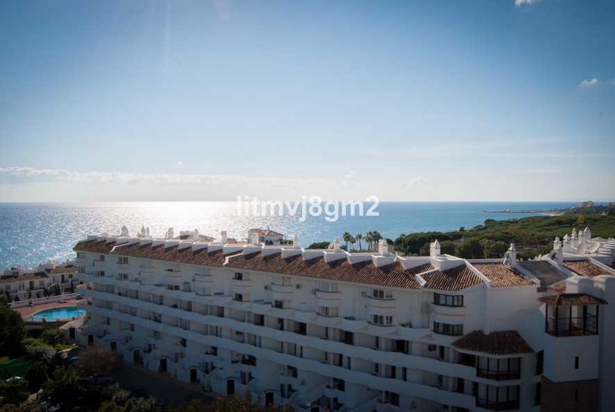 Middle Floor Apartment in Calahonda R3254818