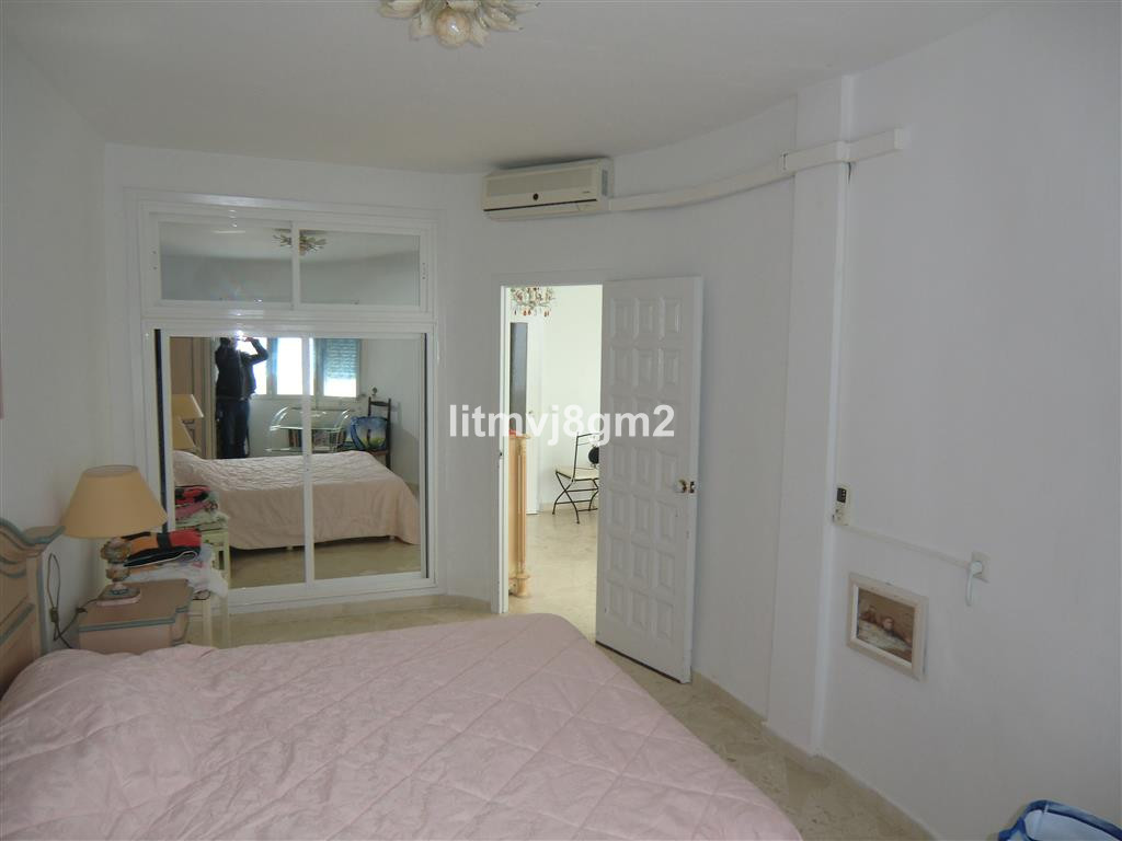 Apartamento en Venta en Calahonda – R3095926