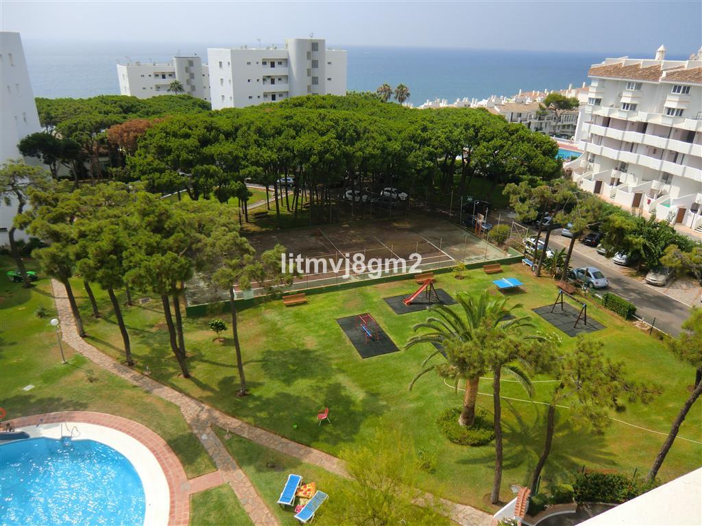 Marbella Banus Apartamento Planta Media en Venta en Calahonda – R3299560
