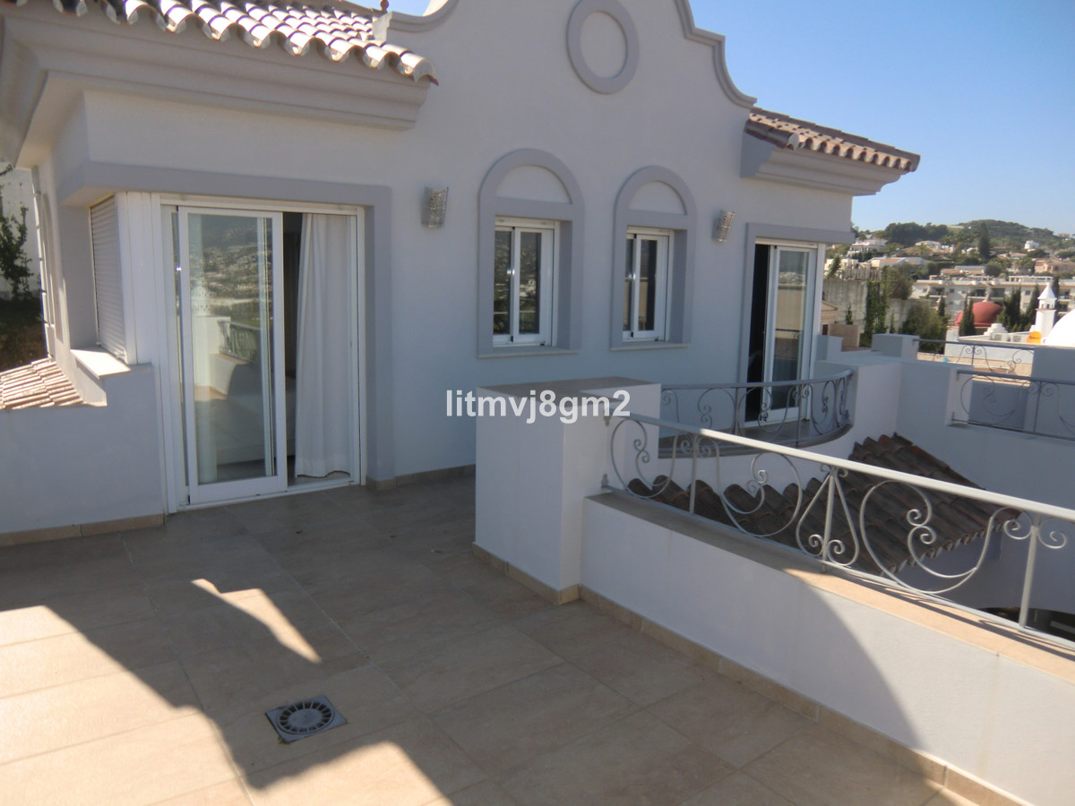 Only 600m from the beach!  Beautiful, majestic, contemporary villa located in Torrenueva, within jus,Spain