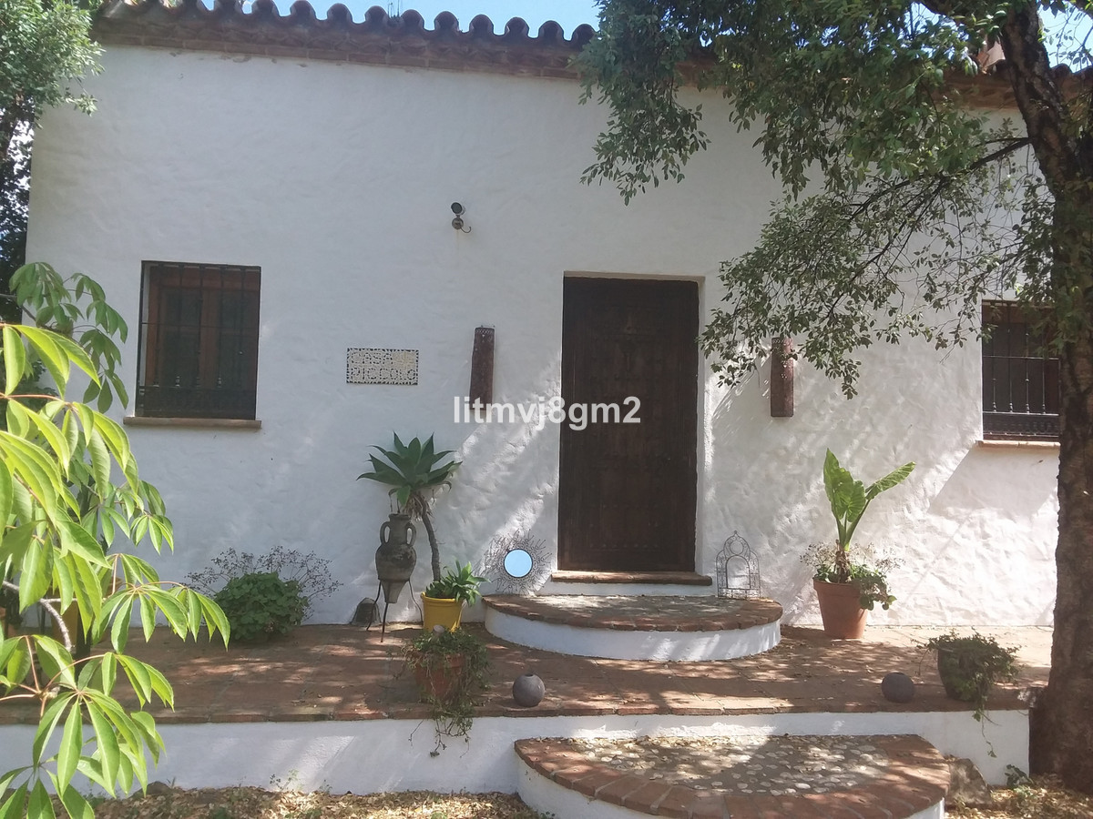 MOTIVATED VENDOR. FABULOUS RUSTIC STYLE FAMILY HOUSE WITH A MATURE GARDEN AND A GOOD SIZE SWIMMING P,Spain