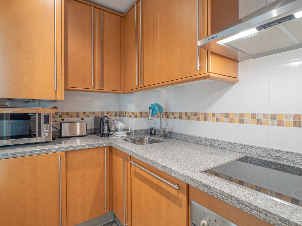 Middle Floor Apartment in Calanova Golf
